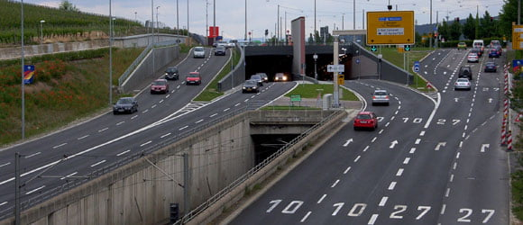 Bundesstraße 10 in Stuttgart (Einfahrt Pragsatteltunnel)