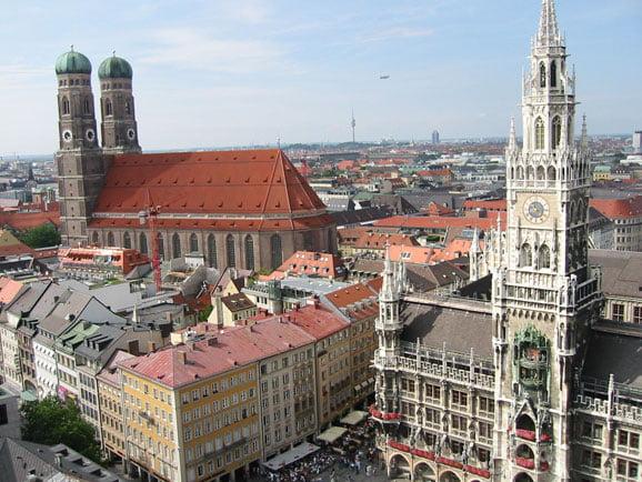 München City - Stadthalle und Frauenkirche
